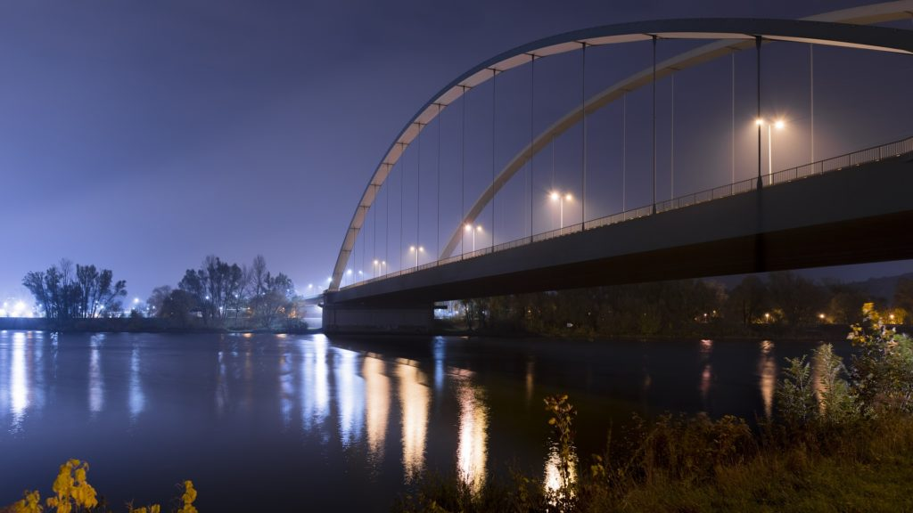 Osttangente Donau Nebel Regensburg