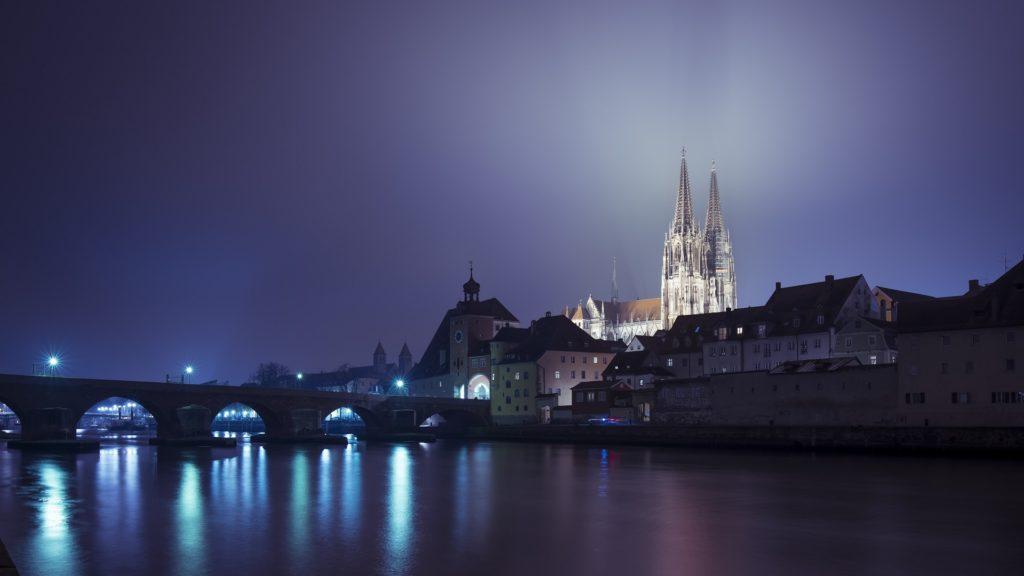 Skyline Dom Steinerne Brücke Nacht Licht Regensburg